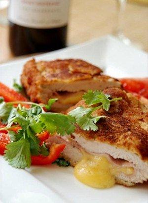 Кордон блю из куриного мяса с ананасом