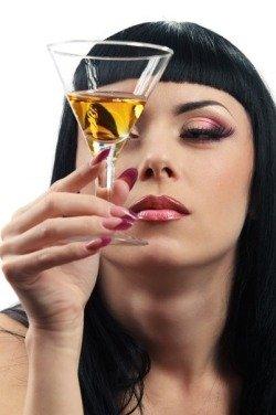 Алкоголь вреден для беременных девушек