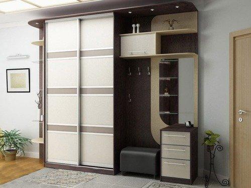 Шкаф-купе в прихожей комнате, в шоколадных оттенках