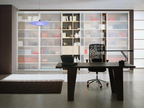 Большой шкаф-купе в офисе