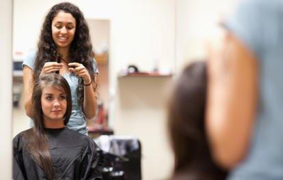 перекрасить волосы в иной цвет