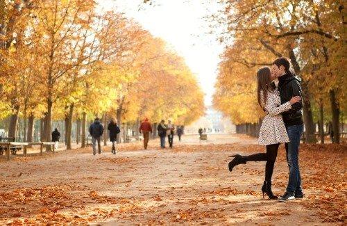 Стоит ли целоваться на первом свидании?!