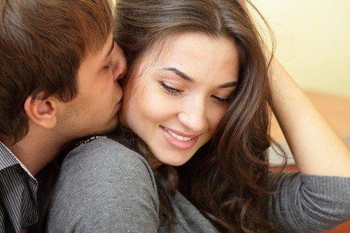 Целуйтесь на его глазах