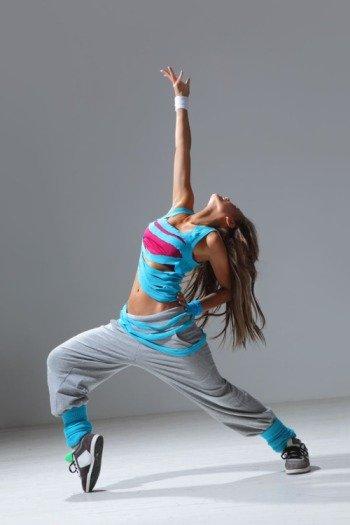 Как перестать стесняться танцевать