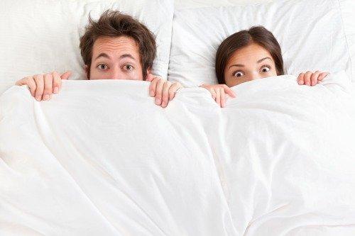 Как перестать стесняться парня в постели