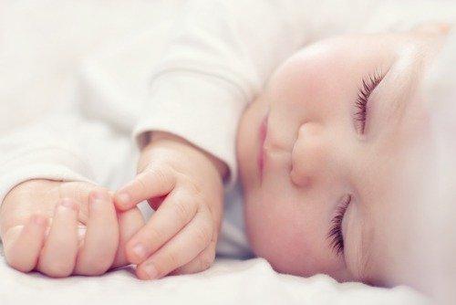 Что нужно для новорожденного в роддом и на выписку