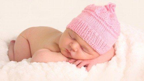Почему новорожденный малыш икает? Мышечное напряжение!