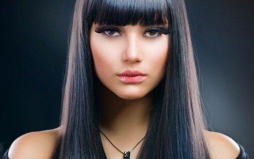 Окрашенные волосы черного цвета