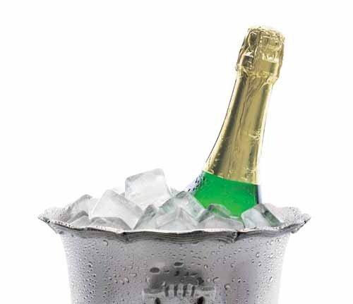Как открыть бутылку шампанского