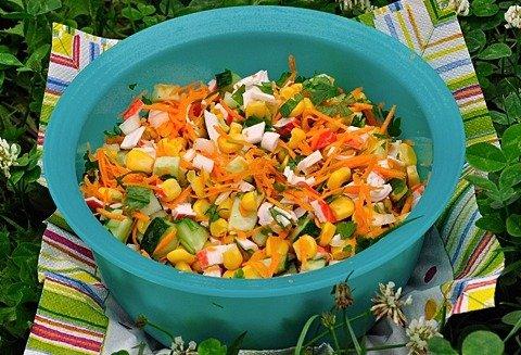 Рецепт салата с морковью и крабовыми палочками