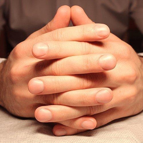 Ухоженные мужские ногти