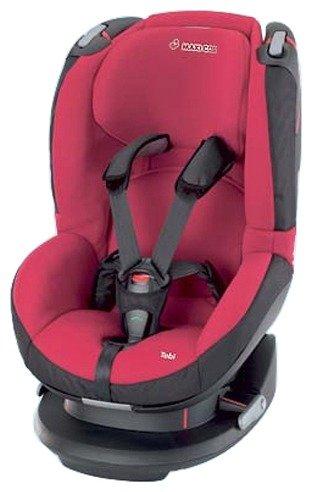 Красное автокресло для ребенка