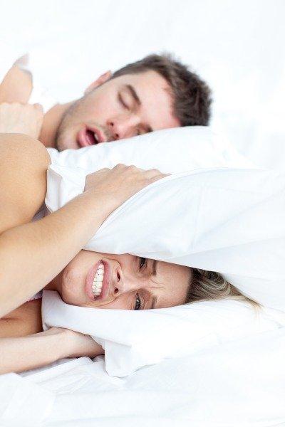 Храп во время сна у мужчин