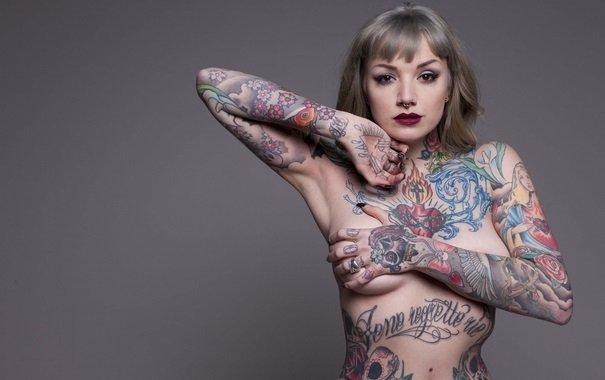 Всё тело в татуировках