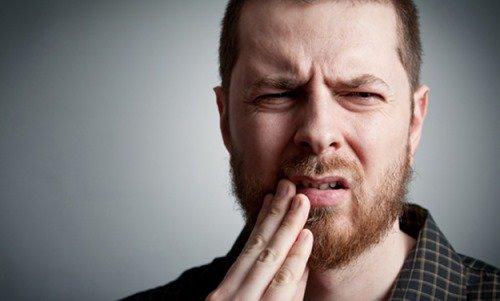 Зубная боль у мужчины