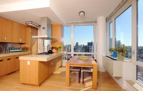 Современная кухня в высотном доме.