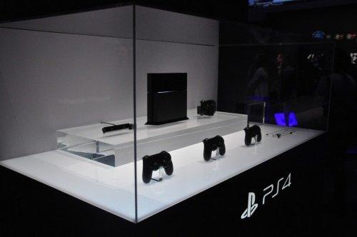 PS4 под стеклом