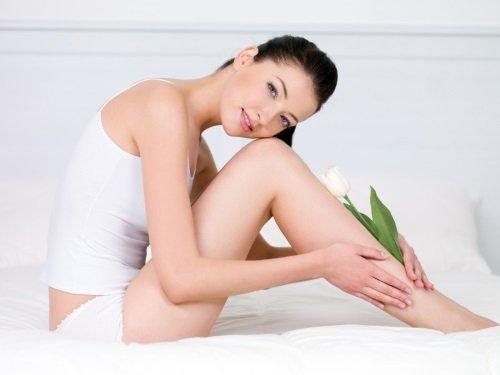 Ухоженные ножки у девушки