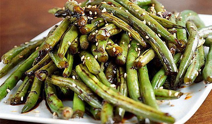 Тушеное овощное рагу с зеленой фасолью