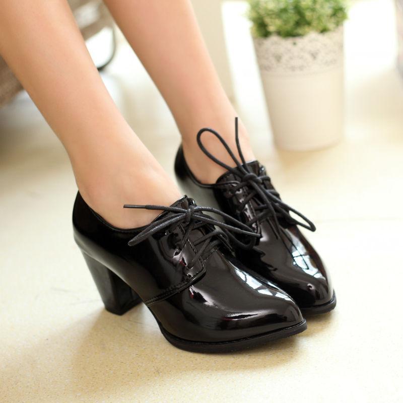 Женская лакированная обувь