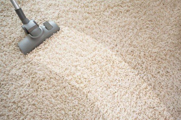 Чистка ковров для устранения запаха сигарет в квартире