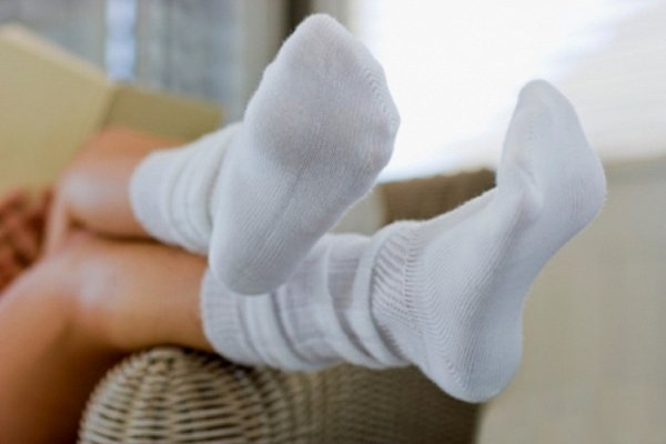 Отстиранные белые носки